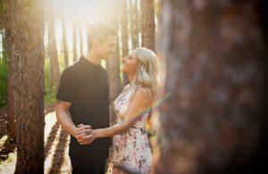 Engagement photos at Hartley Nature Center